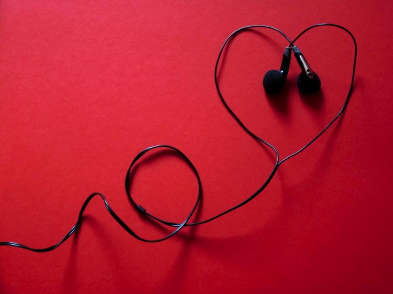 Mysiga kärlekslåtar – ELLER?